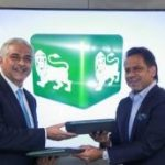 Jahangir Khan becomes Roshan Digital Account Ambassador for Habib Metro Bank